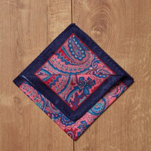 Pañuelo azul motivos rosas