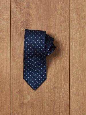 Corbata azul oscuro detalles azul cielo