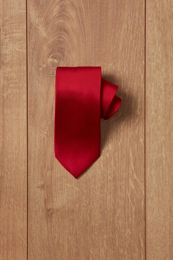 Corbata roja lisa