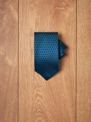 Corbata azul oscuro diseño geometrico verde