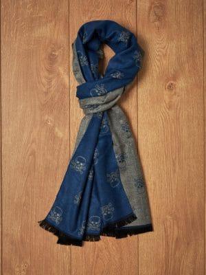 Bufanda azul gris calaveras