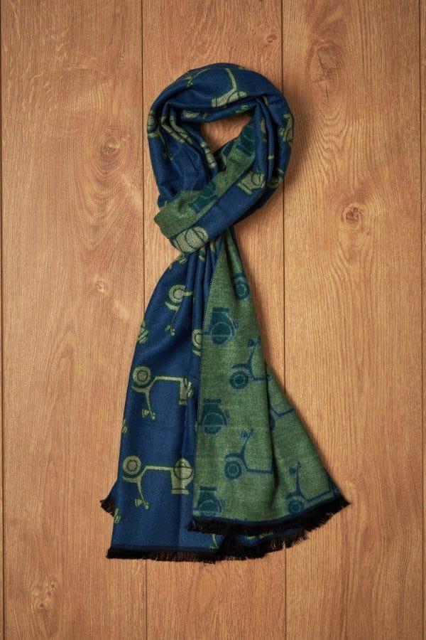 Bufanda verde y azul vespas